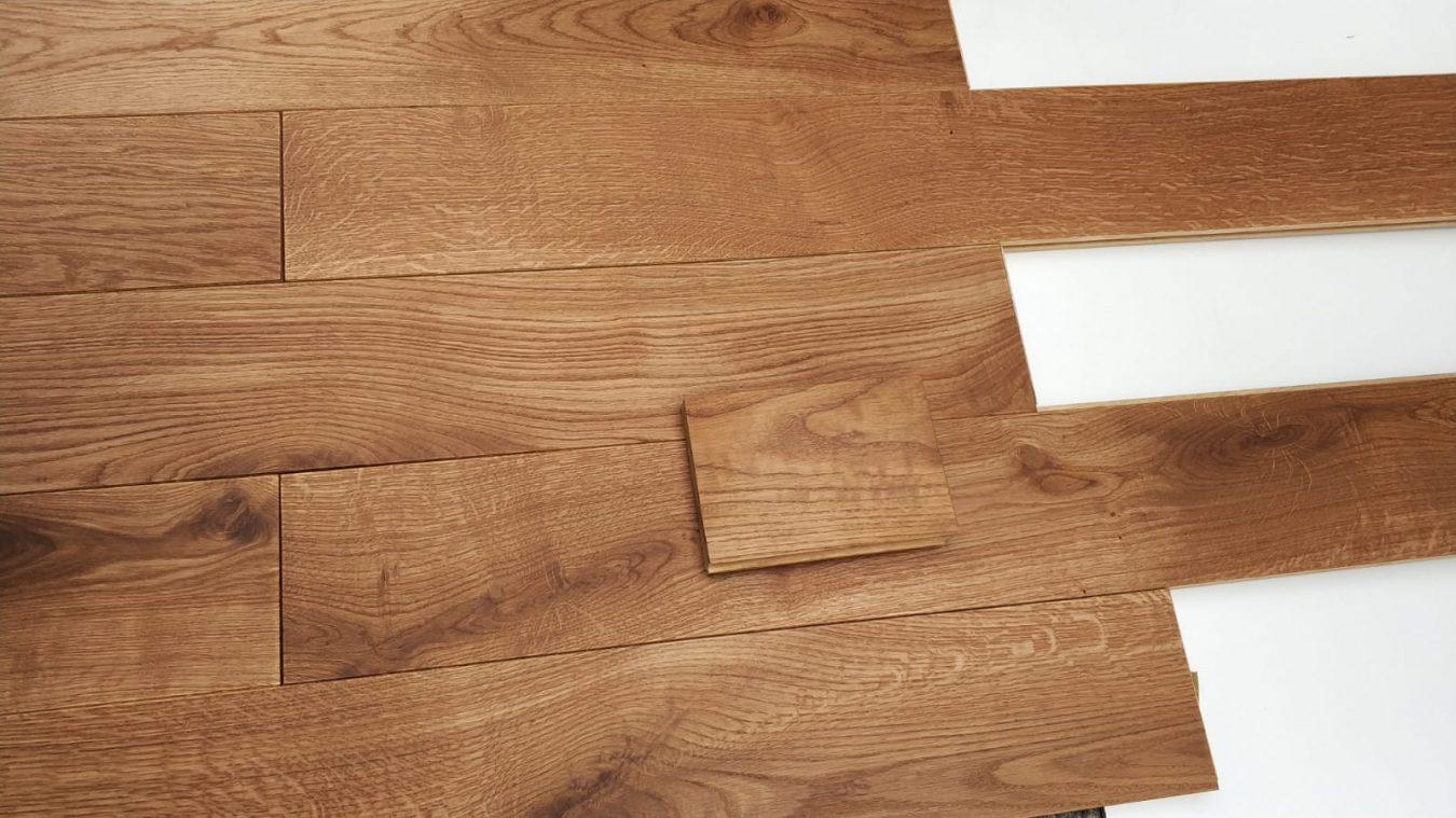 Servicio de ajuste de color en el proceso de acabado de la madera